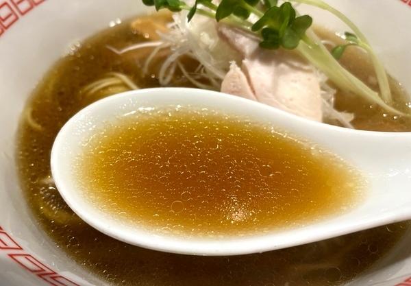 ラーメン 六九麺_スープ.jpg